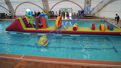 Parcours Gonflable piscine